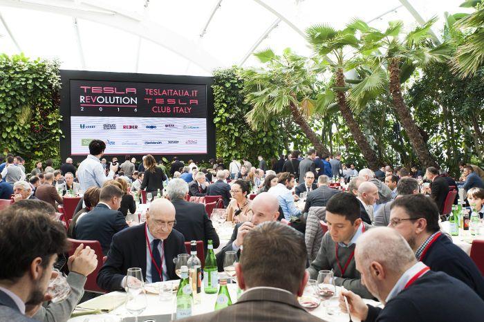Tesla Club Italy Revolution 2016: uno dei momenti conviviali